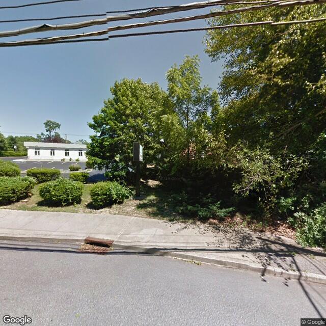 650 Hawkins Ave, Ronkonkoma, NY, 11779