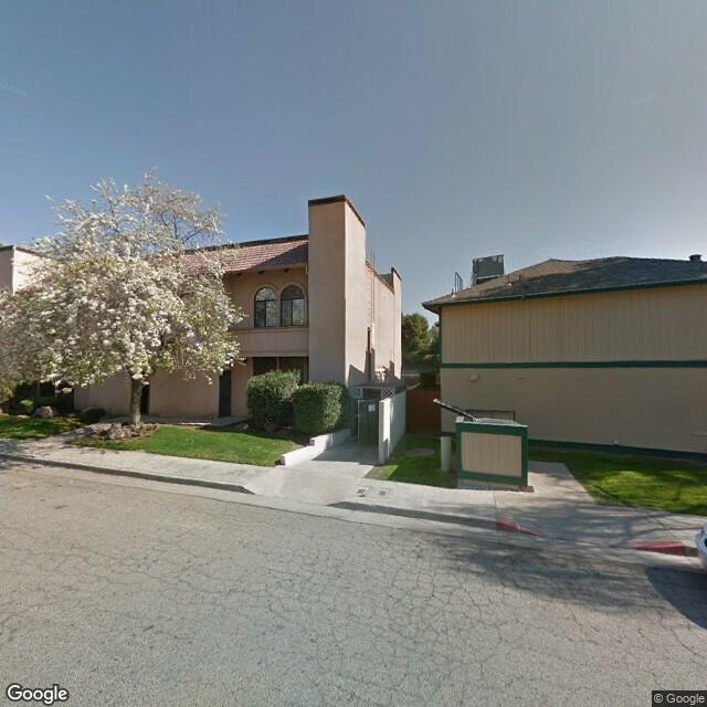 1055 W Morton Ave, Porterville, CA 93257