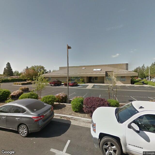 137 S Aspen Ct, Visalia, CA 93291