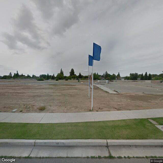 2086 Shaw Ave, Clovis, CA 93611