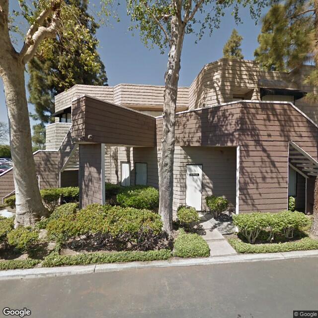 5242 Katella Ave, Los Alamitos, CA 90720