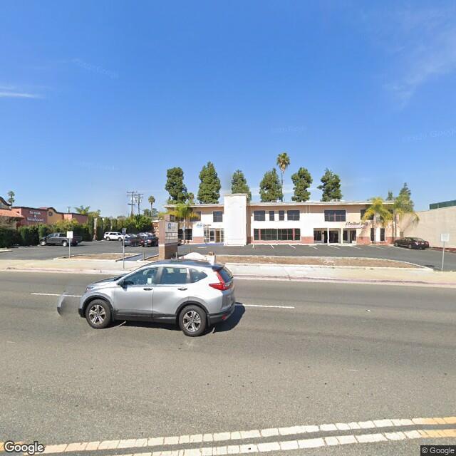 121 W Whittier Blvd,La Habra,CA,90631,US
