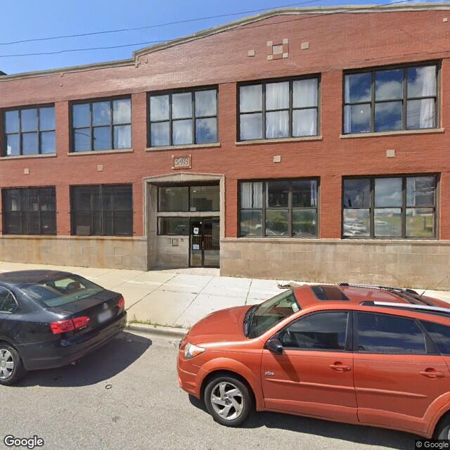 348 N Ashland Ave,Chicago,IL,60607,US