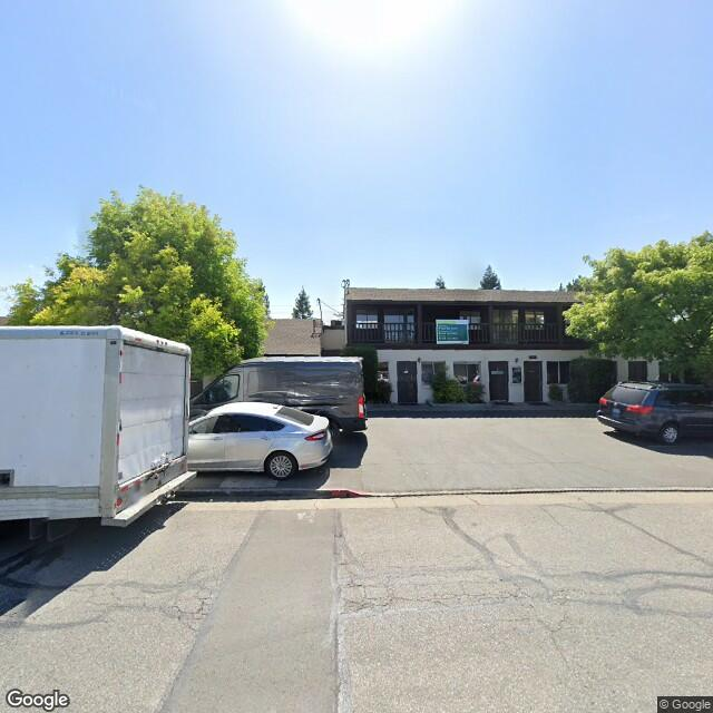 444 1st St,Los Altos,CA,94022,US