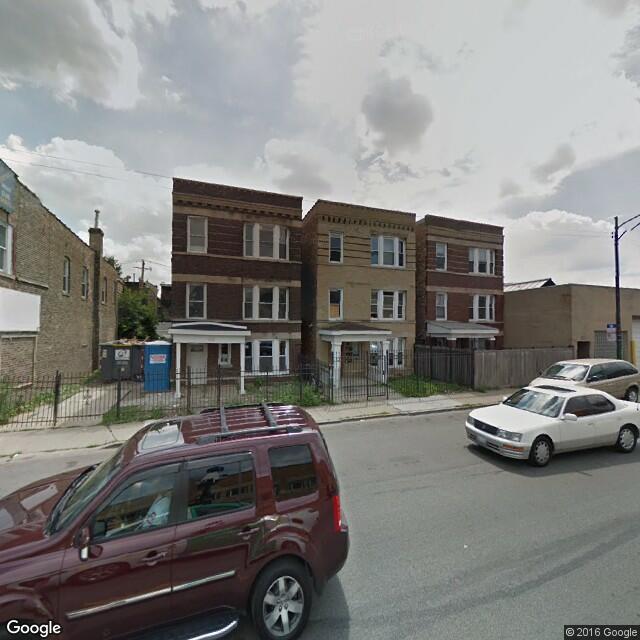 2335 W Fullerton Ave