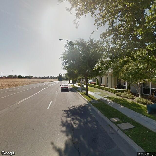 1221 E Spruce Ave